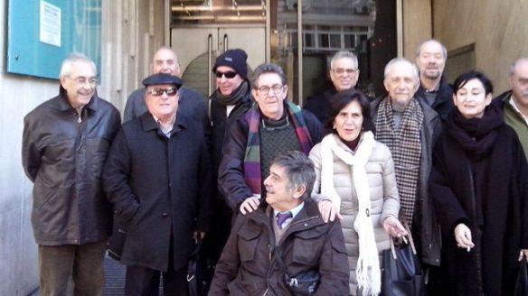 En las puertas del consulado argentino en Madrid